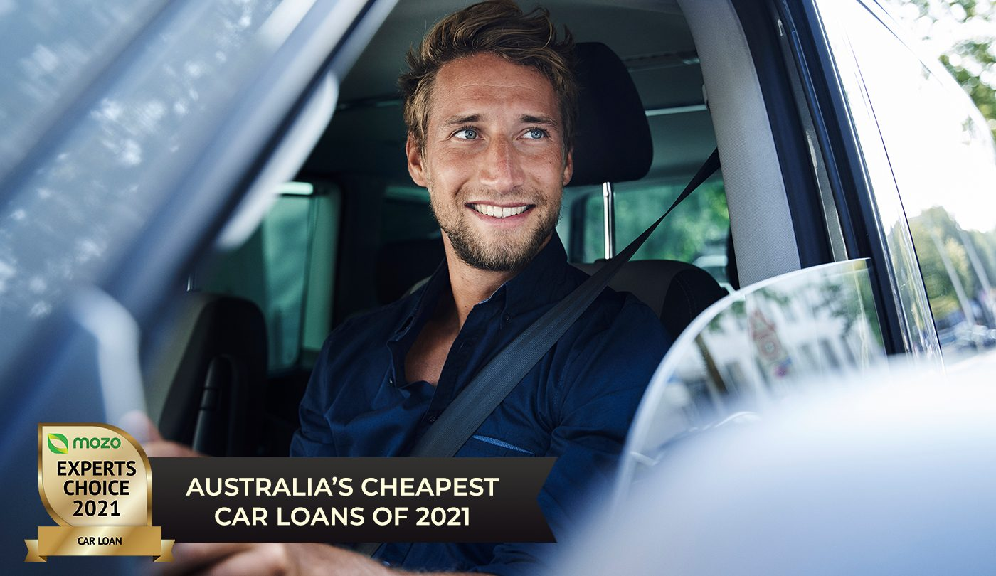 Man sitting in car with Mozo Experts Choice 2021 badge for Personal Loans
