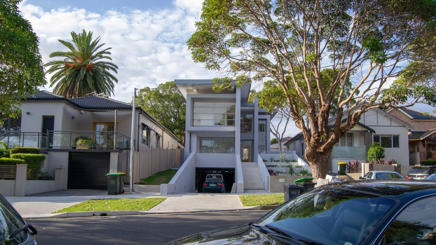 Home loan rates starting with '1' pile up after RBA cut