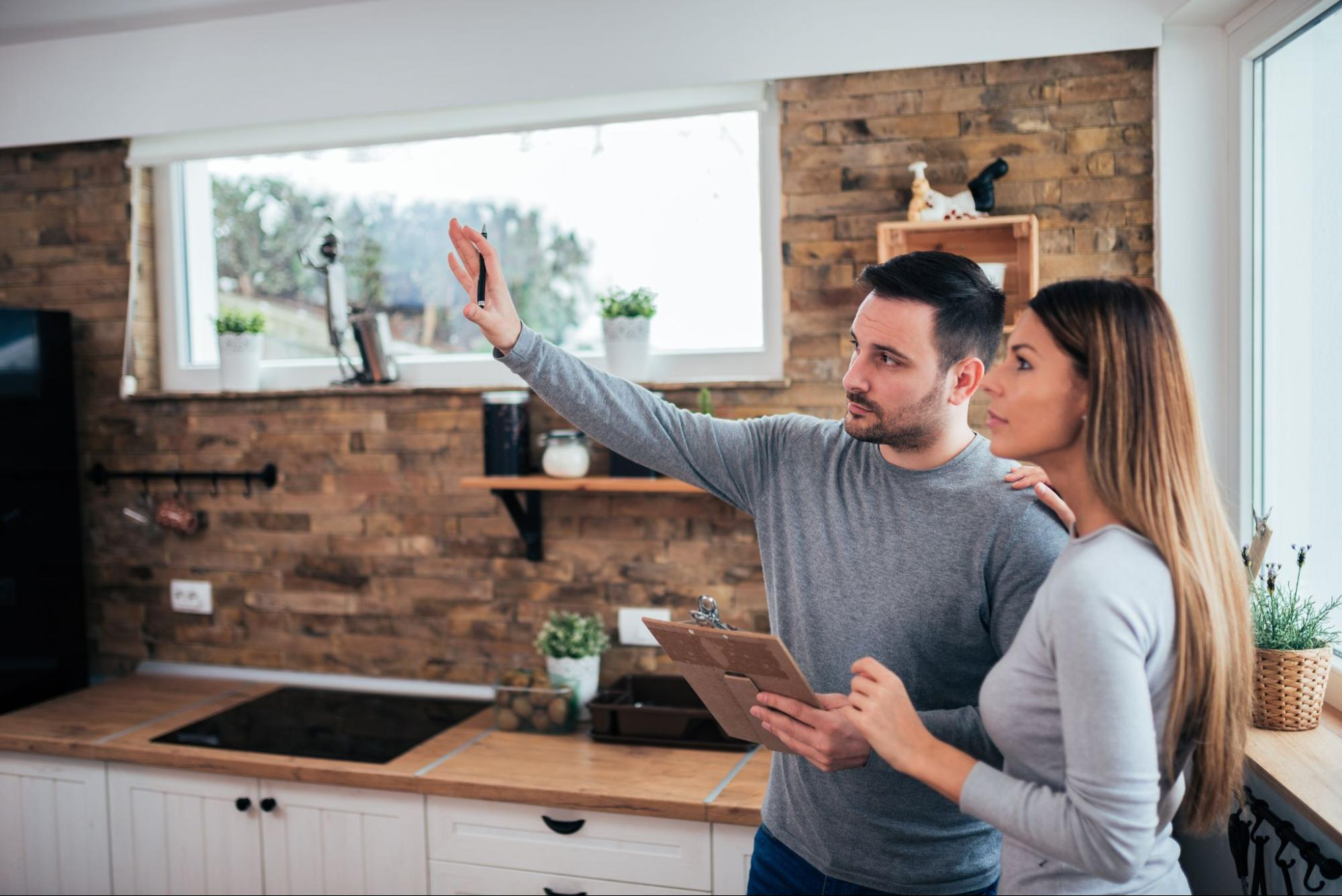 couple planning home renovation using personal loan