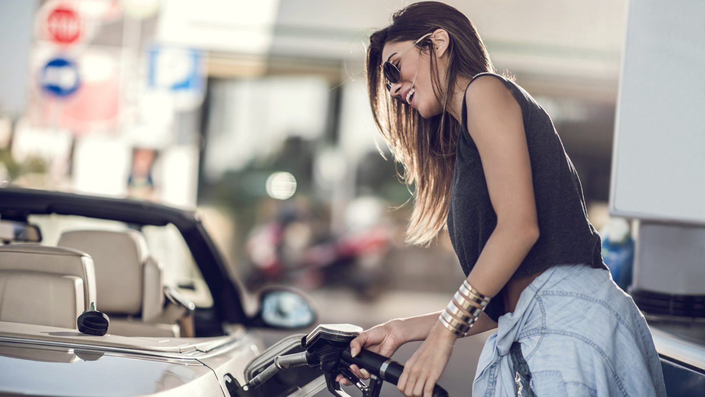 Cheaper petrol, bigger property investment returns in Western Sydney & freelance tax return must-knows: This week's best banking news