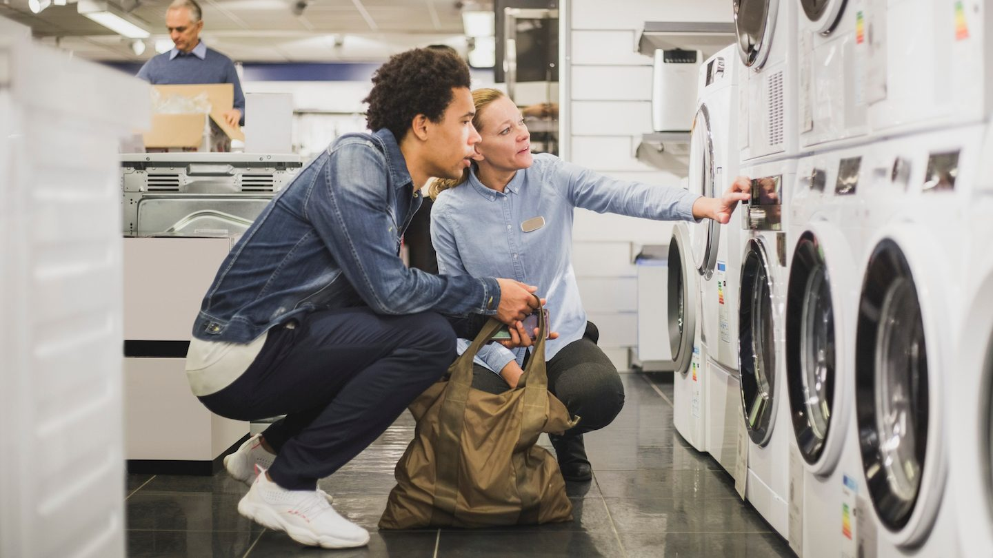 couple buying appliance with buy now pay later