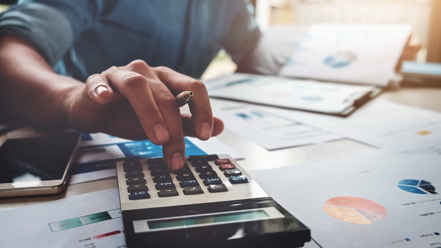 calculating how much money you can save when refinancing your loan